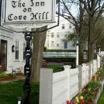 The Inn on Cove Hill sign