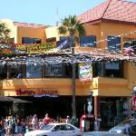Mango Mango Restaurant Bar and Grill