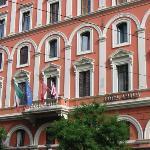 Front of hotel Amalia