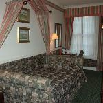 Hotel Room (single)