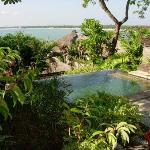 Four Seasons Jimbaran - Outdoor plunge pool with a view of the Bay