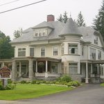 Cornerstone Victorian Bed & Breakfast Photo