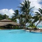 Pool - Meeru Island Resort & Spa Photo