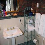L&R Starina room bath