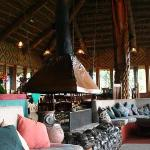 ambua lodge lounge area