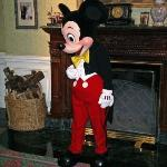 A chance to meet Mickey in the lounge in front of the restaurants