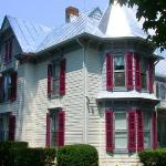 1890 Victorian, White Fence Bed and Breakfast