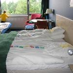 hotel bed and bedding