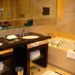 Four Seasons Hotel Hong Kong Photo