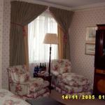 Bedroom - Deluxe King Room