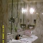 Bathroom - Deluxe King Room