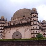 Gol Gumbaz -Side View
