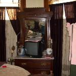 the tv and dvd player in the King David room