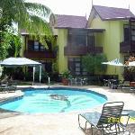 Pool & Rooms