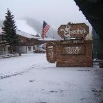 Only 2 blocks from Red River Ski Area