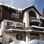 Skiway Lodge Photo