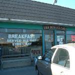 Budget Cafe exterior