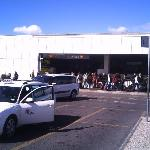 ' arrivals' at ciampino , with taxis