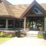 Kurumba - Front Hotel View