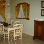 diningroom right off livingroom