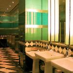 lobby washroom (isnt this heaven?! haha!)
