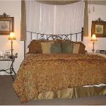 Bed in Magnolia Room
