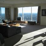 Meriton Serviced Apartments World Tower Photo