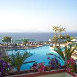 Nice view with pool and the sea