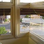Mitred glass corner
