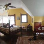Brava House Casablanca Room