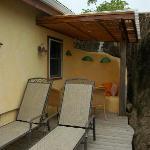 Maca Bana Sundeck & Outdoor Dining Area