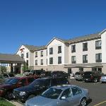 Hotel exterior and convenient parking