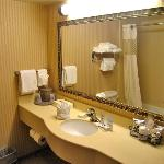 Room 333 large ans spotless bathroom