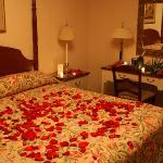 Wall Street Inn deluxe room with Jacuzzi (rose petals not standard!)