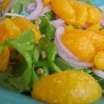 spinash salad with mandarin orange