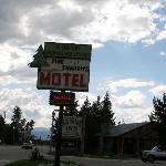 Pine Shadows Motel
