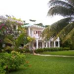 Outside view of Plantation rms