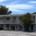 Beach House Hotel Photo