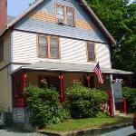 Maples Inn Frontansicht