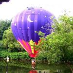 Balloon lift-off during breakfast on the dinning porch