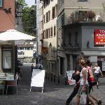 View of front from Hischen-Platz