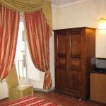 Room 230, with window bay