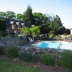 Pool and house at Periton
