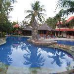 pool area hotel Bali Rani