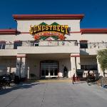 Photo de Longstreet Hotel & Casino