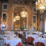 Les Ambassadeurs / breakfast room, too