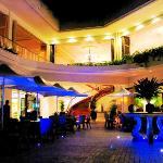 ground level restaurants at night