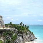 Tulum - El Castillo on cliffside (1574974)
