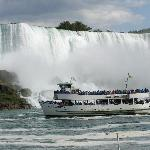 Maid of the Mist in front of the American Falls