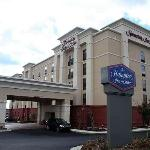 Hampton Inn & Suites Burlington Resmi